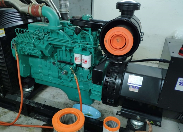 燃气发电机组维修
